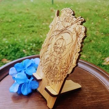 Tulip Fairy Phone Dock Cypress