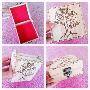 K-I-S-S-I-N-G #1 Birch Engraved Box